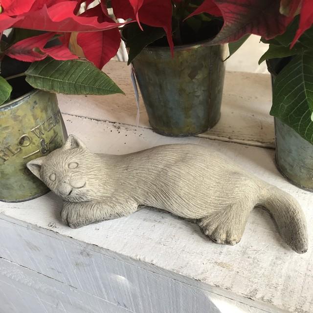ガーデンオーナメント ストーン 猫 cat アンティーク調 輸入品 イギリス 庭  園芸 石 オーナメント キャット