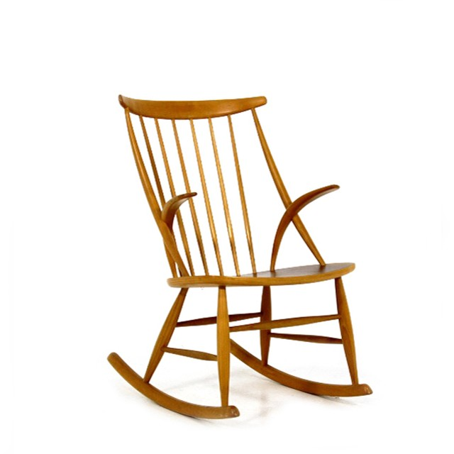 Rocking chair by Illum Wikkelsø  ** before repair **