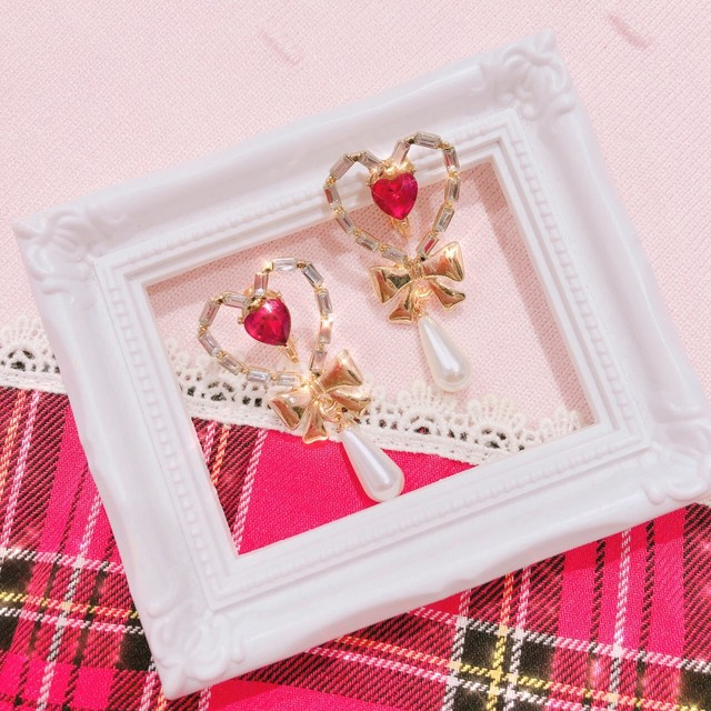 【anchovyy】Red × Heart イヤリング/ピアス