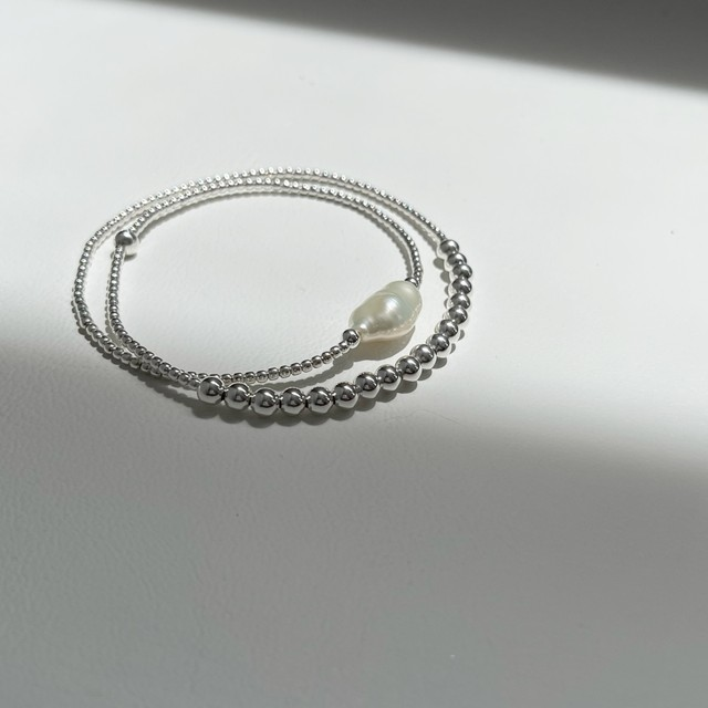 Macron pearlxBola necklace*silver beads  / necklace