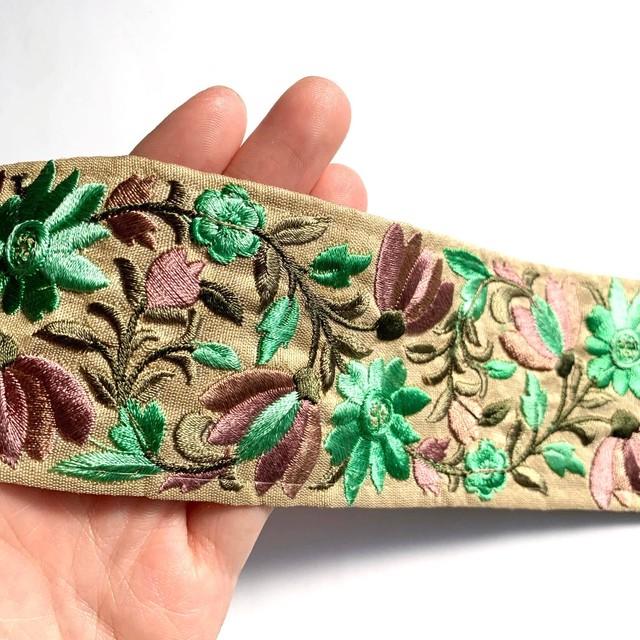 緑花刺繍入りインドリボン