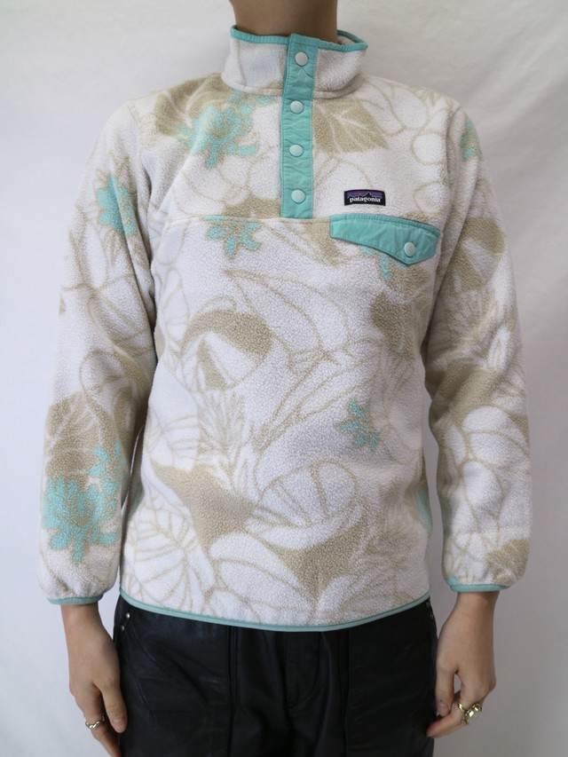 Patagonia botanical pattern fleece snap T 【0475】