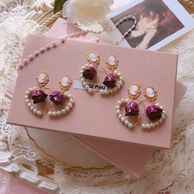 Antique Chandelier × Pink Rose Charm _ pierced earrings