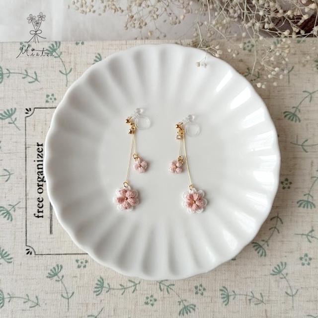 一粒花*#10-ヴェルディグリ*刺繍糸のお花のピアス・イヤリング