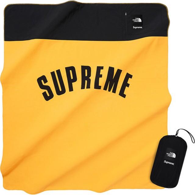 Supreme The North Face Arc Logo Fleece Blanket Yellow