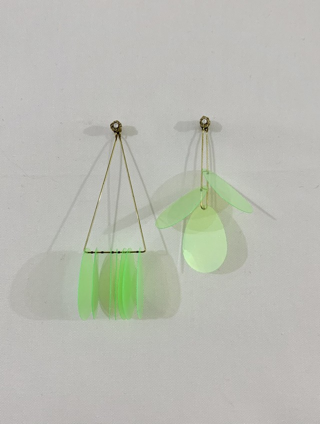 big egg sequins earrings:light green