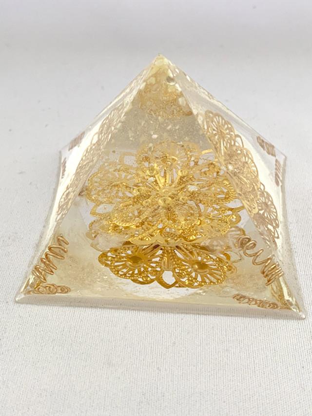 ピラミッド型オルゴナイト【天然水晶】