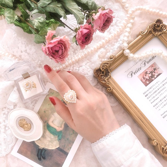 Rose Cabochon & Lace Frame Antique Ring ♡