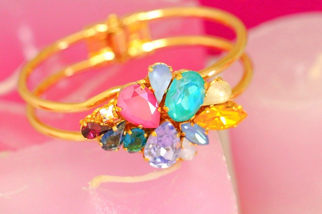 Full bloom Bangle 06