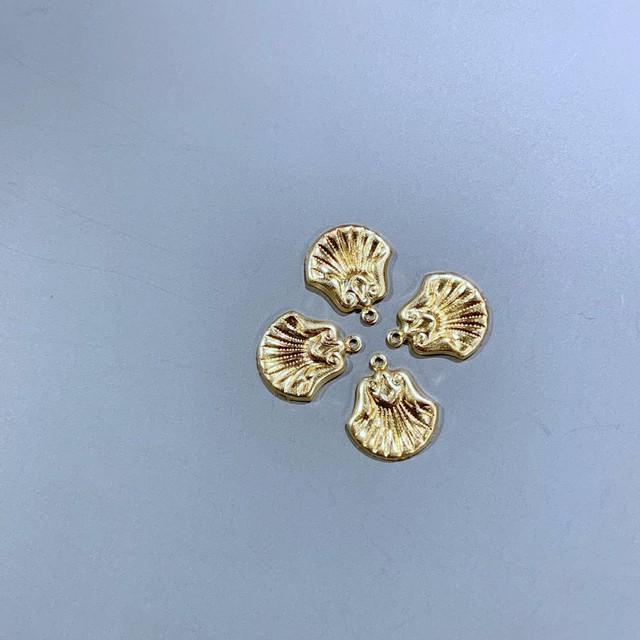 USA真鍮 貝殻風凹み模様入りチャーム