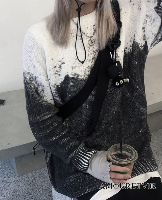 モノトーン セーター バイカラー 白黒 ホワイト ブラック ストリート カジュアル 長袖 アシンメトリー オルチャン 韓国ファッション 1068