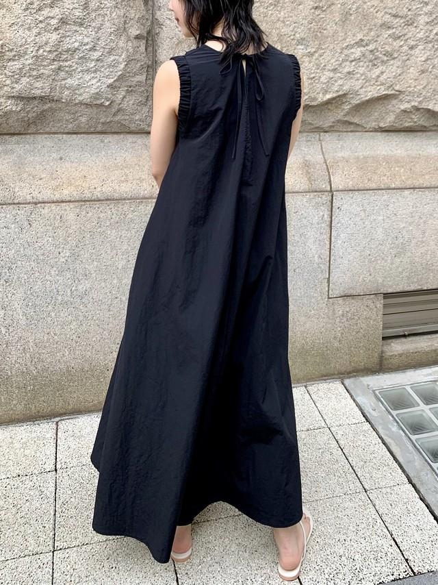 【予約】back ribbon flare onepiece / black (8月上旬発送予定)