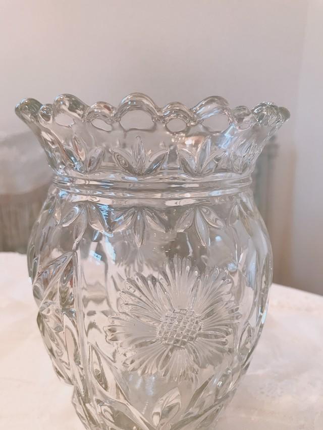 フランス 花カットのガラスのフラワーベース 在庫1