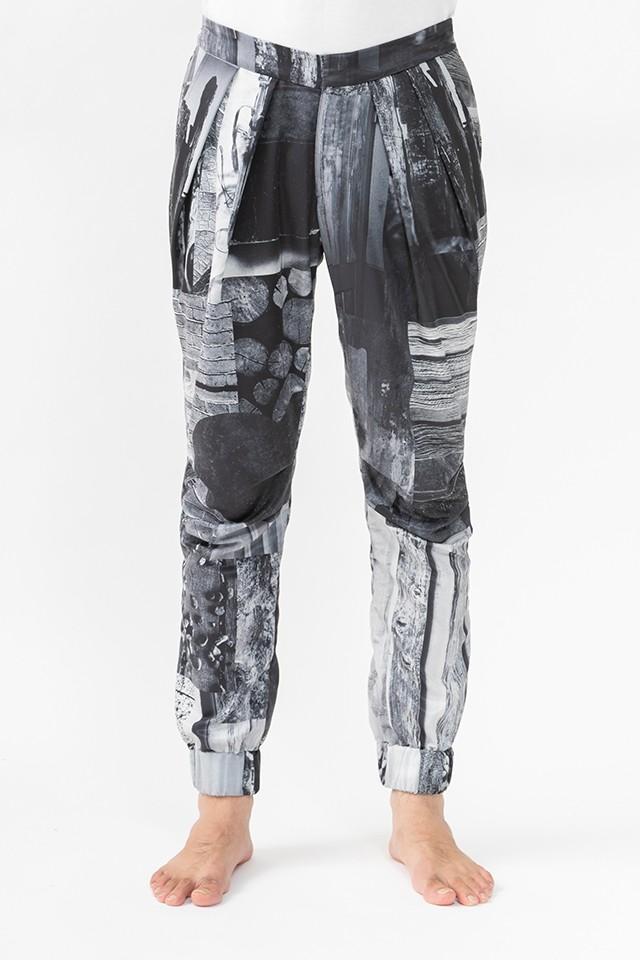 コーディネートの幅が広がるドライプリント/着脱が楽な立体美脚パンツ/ブラック