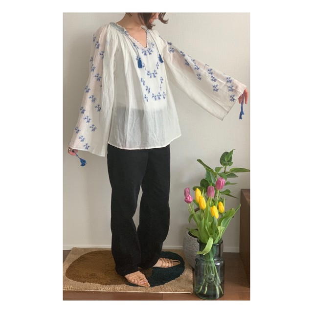 60's-70's Embroidery blouse