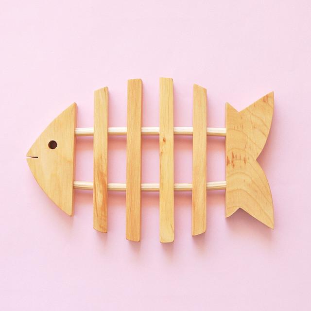 新商品《魚》鍋敷き トリベットフィッシュ スウェーデン製 北欧雑貨 Skandinavisk Hemslojd