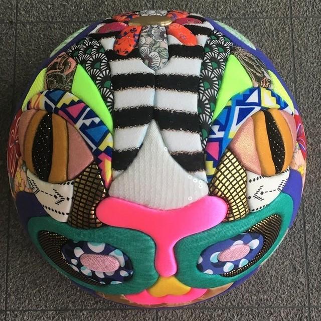 世界とマスク2(イワミズアサコ)