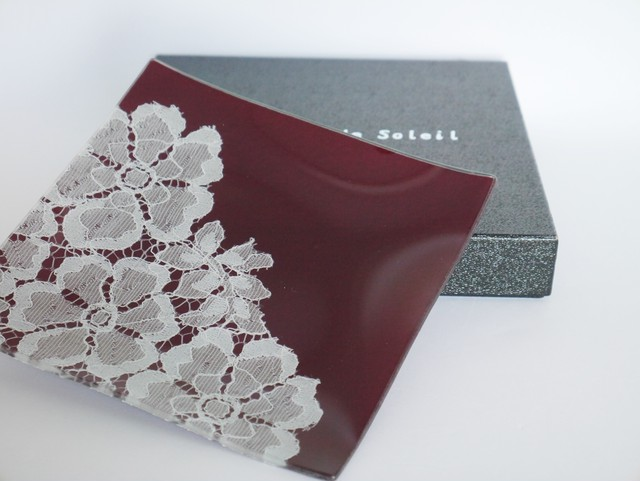 ガラストレー #82653 あずき(15cm角皿ハーフレースタイプ)