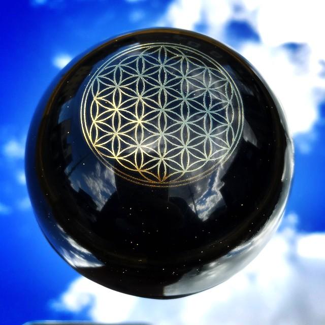 【モリオン(黒水晶)&イヤシロチパウダー】ドーム型オルゴナイト・253