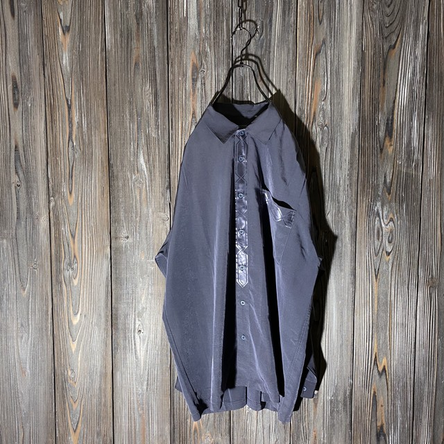 [used]thin purple design shirt