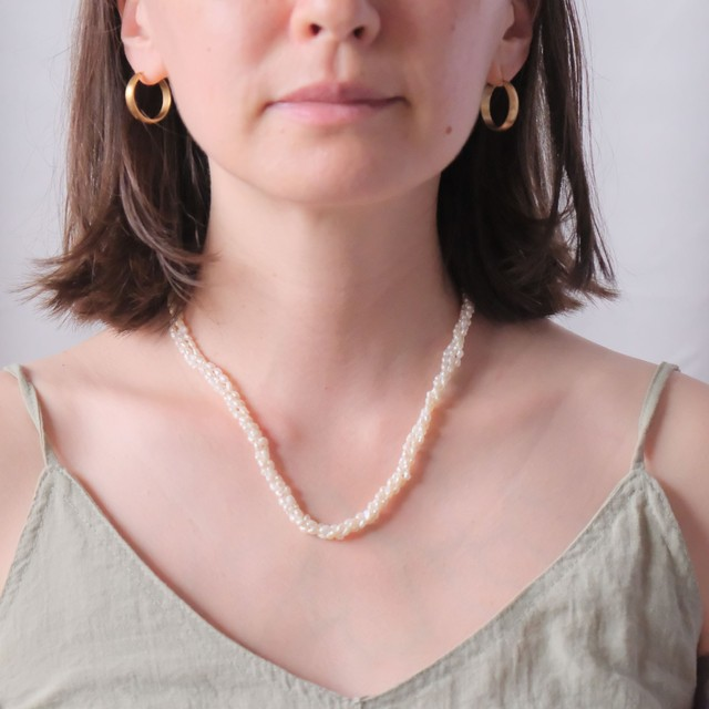The Pop Baroque Pearl Necklace Collection: 3