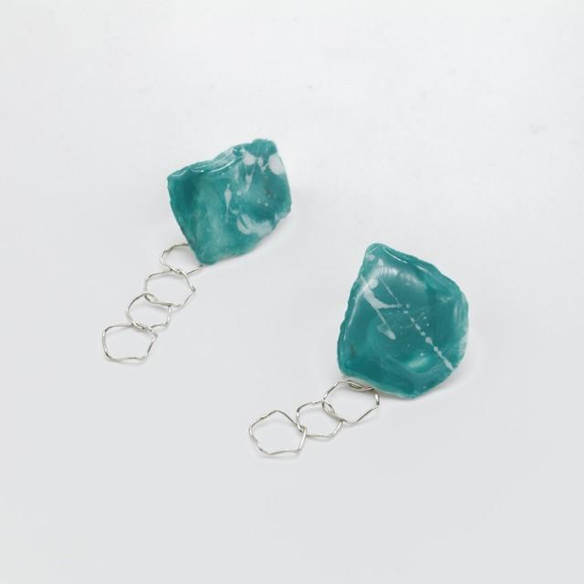 """""""カミノカタチ"""" Ceramic paper clip-on earrings ◼︎green╳white"""