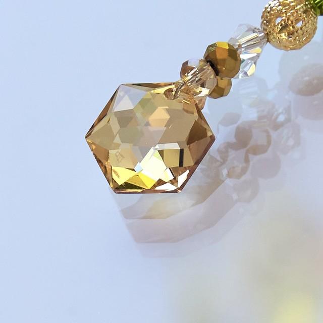 【ゴールド系】スワロフスキー ヘキサゴン型サンキャッチャーストラップ*チャーム