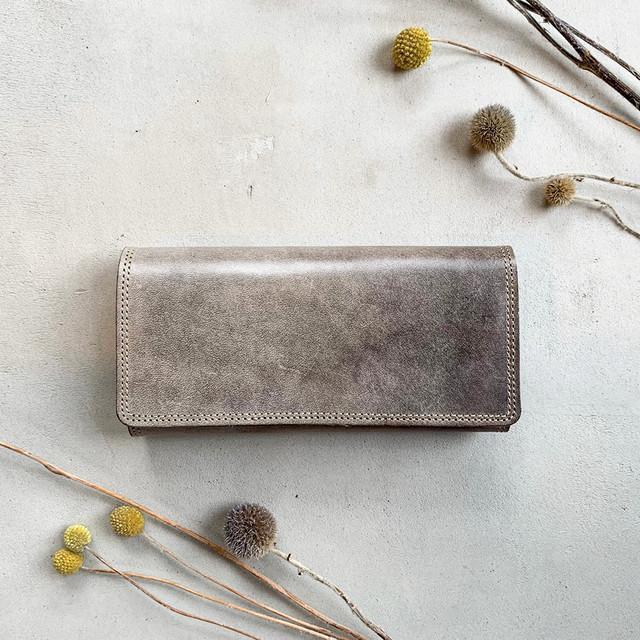 ブラックグレイッシュの長財布