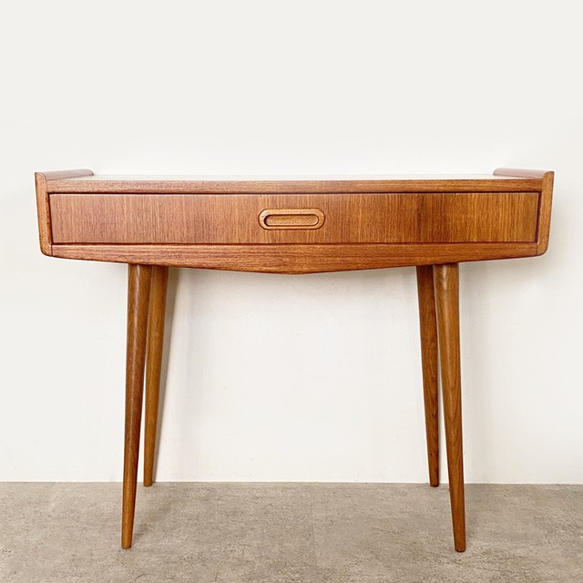 Console table / CS036