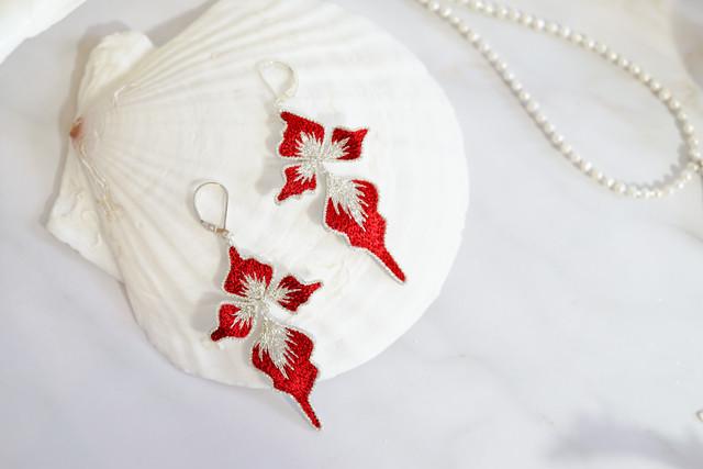【刺繍ジュエリー】 petals red✴︎ ▽注文時に、ゴールドかシルバーお選びいただけます。