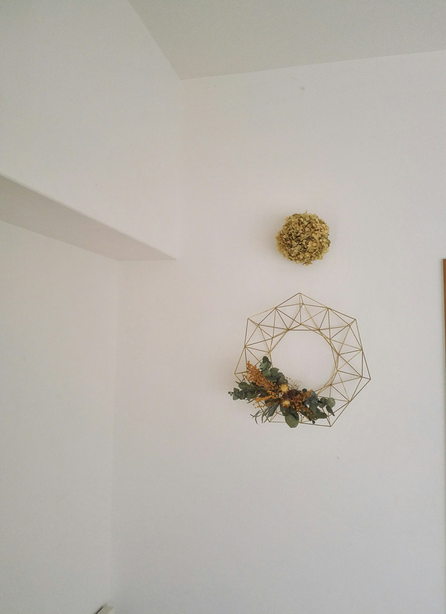 「真鍮製の1年中飾れるヒンメリ リース M(直径25cm)お花付き」 【受注制作品】