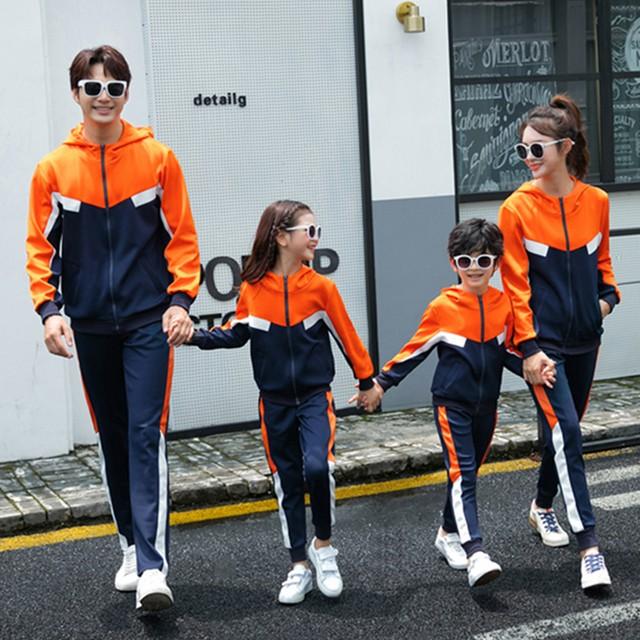 3人の親子の家族が21の高級春のスポーツスーツの母と娘の洋服の男の子と スプリング 春物 水墨云轩亲子装 水墨云轩亲子装1075134346