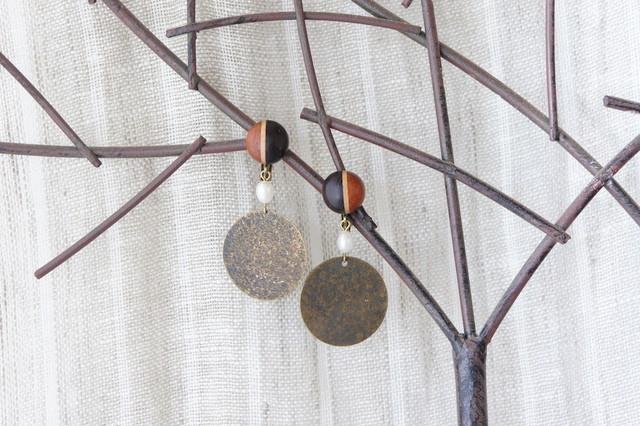 """木のいろ、寄せ木の耳飾り """" copper """" -淡水パール 08 イヤリング"""
