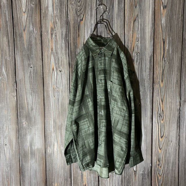 [used]moss green cross shirt