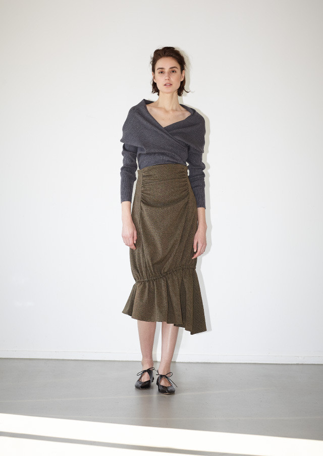 Asymmetry gather skirt