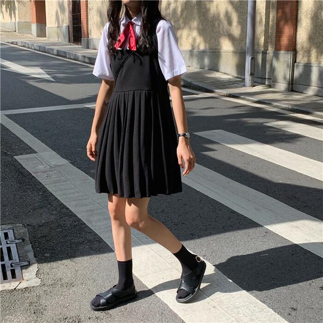 半袖シャツ+ハイウエストプリーツスカート