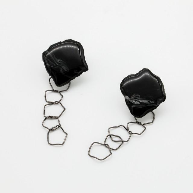 """""""カミノカタチ"""" Ceramic paper clip-on earrings ◼︎Black chain"""