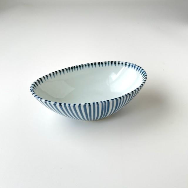 古染十草楕円小鉢