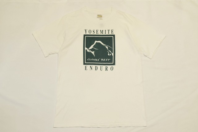 USED 90s Yosemite CLOUDS' REST Tshirt -Large 01080