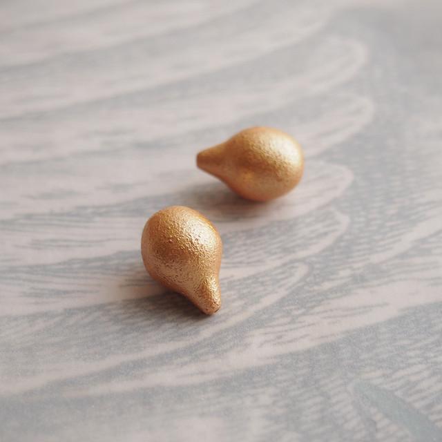 1950's イタリア製 マットな金色の洋ナシビーズ(2コ)