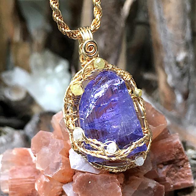 世界の始まりを告げる石|タンザナイト|ペンダント|天然石|高品質|原石|パワーストーン|意味|誕生石|通販|ダイヤモンド