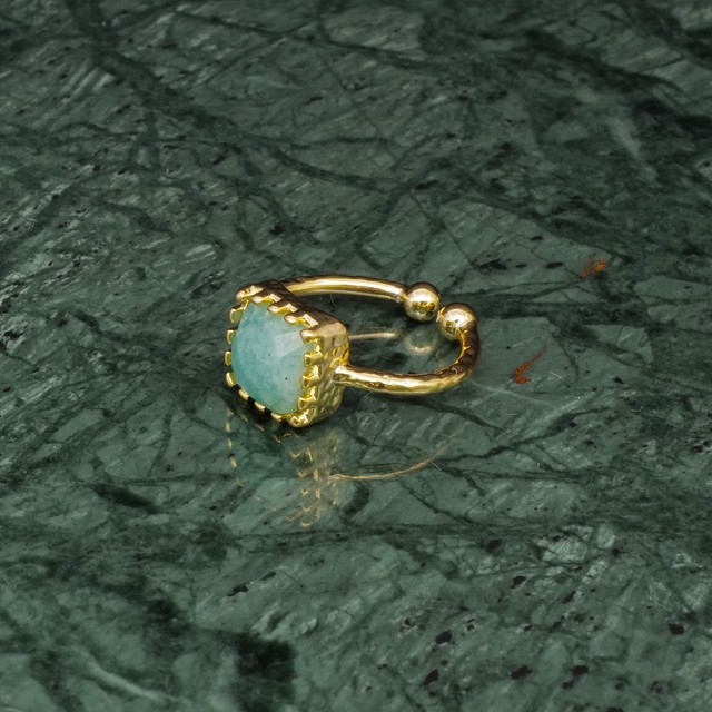 SINGLE SQUARE STONE RING GOLD 012