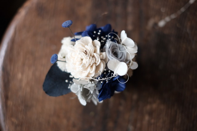 ミニカップアレンジ-白 × 深い青