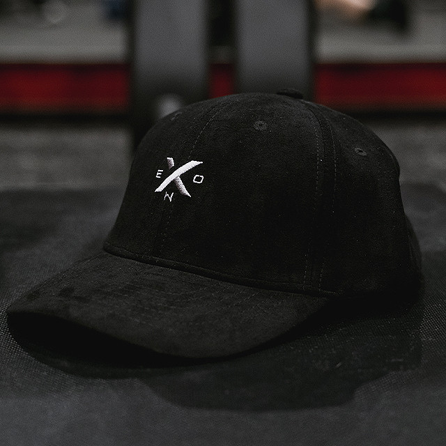 XENO 6 PANNEL CAP BLACK