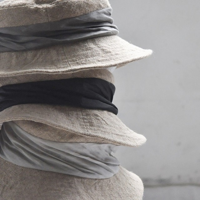 mature ha. jute drape hat middle