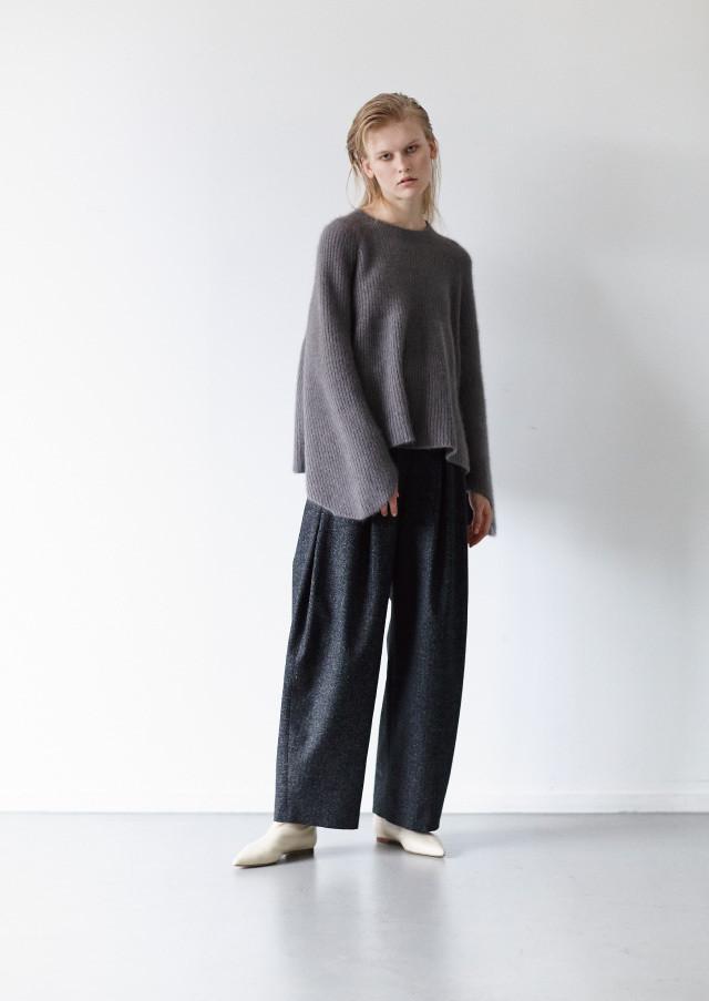 Fox flare pullover