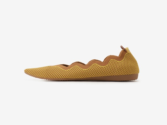 scallop pattern	/ YELLOW & CAMEL