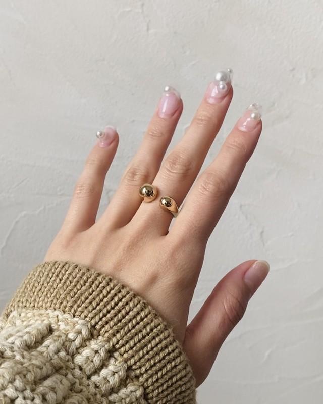 asymmetry ring (gold)