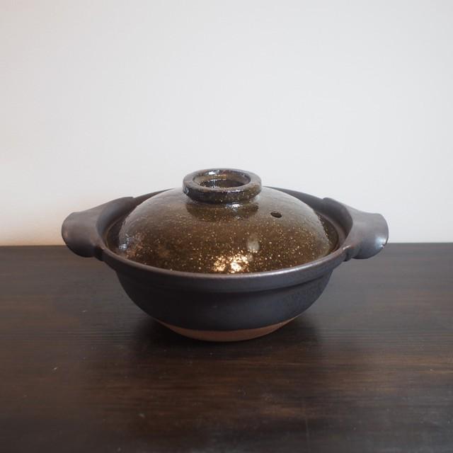 1人鍋にしては、たっぷり大きめな土鍋。600ml