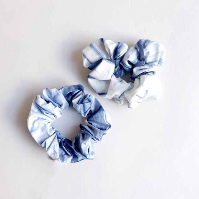 琉球藍染 シュシュ | さざなみ絞り